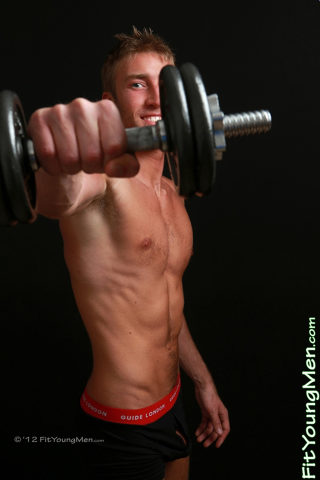 Naked-Young-Sport-Guys-mm003472-fit-young-men-josh-hathaway-photo-thumb