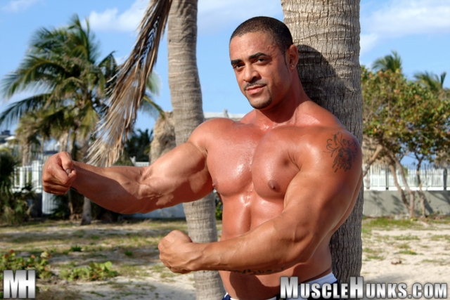 Eddie-Camacho-Muscle-Hunks-nude-gay-bodybuilders-porn-muscle-men-muscled-hunks-big-uncut-cocks-tattooed-ripped-04-gallery-video-photo