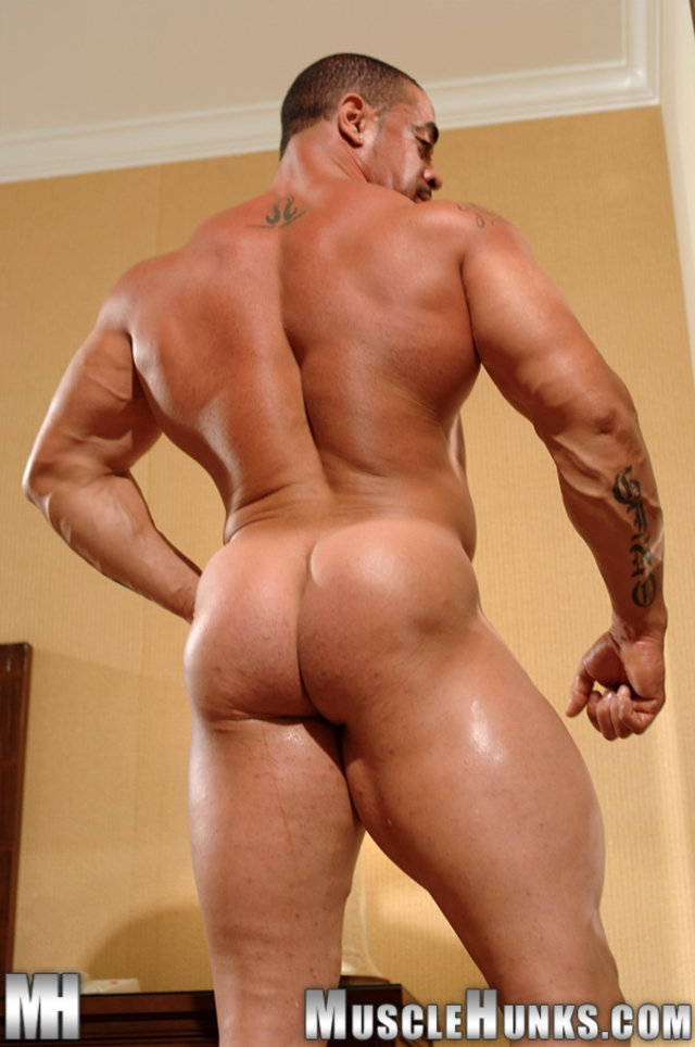 Eddie-Camacho-Muscle-Hunks-nude-gay-bodybuilders-porn-muscle-men-muscled-hunks-big-uncut-cocks-tattooed-ripped-10-gallery-video-photo