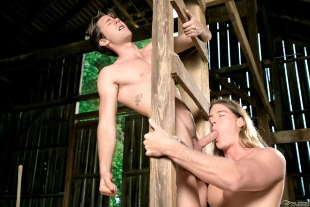 Woody-Fox-and-Kip-Johnson-Falcon-Studios-Gay-Porn-Star-Muscle-Hunks-Naked-Muscled-Men-young-jocks-ripped-abs-04-gallery-video-photo - copia