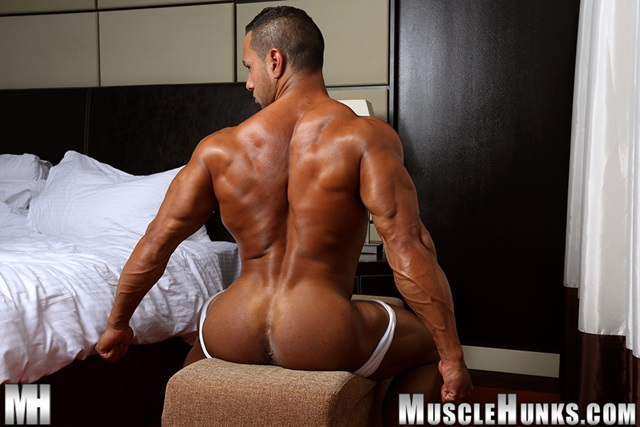 Cosmo-Babu-Muscle-Hunks-nude-gay-bodybuilders-porn-muscle-men-muscled-hunks-big-uncut-cocks-nude-bodybuilder-005-gallery-video-photo