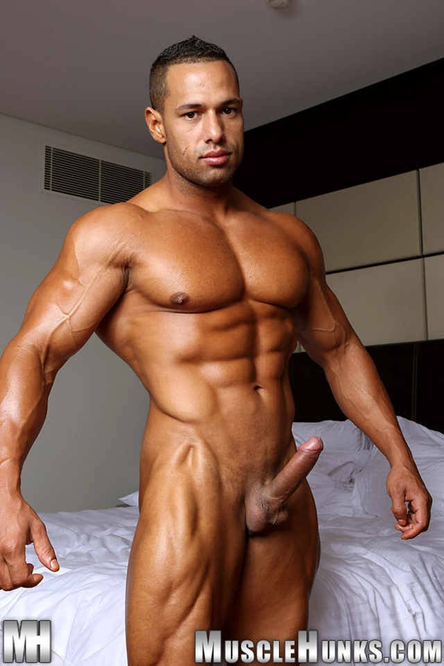 Cosmo-Babu-Muscle-Hunks-nude-gay-bodybuilders-porn-muscle-men-muscled-hunks-big-uncut-cocks-nude-bodybuilder-008-gallery-video-photo