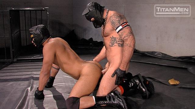 masturbiruet-babe-porno-v-maskah-kachki-video-fotki-seksa-kuni