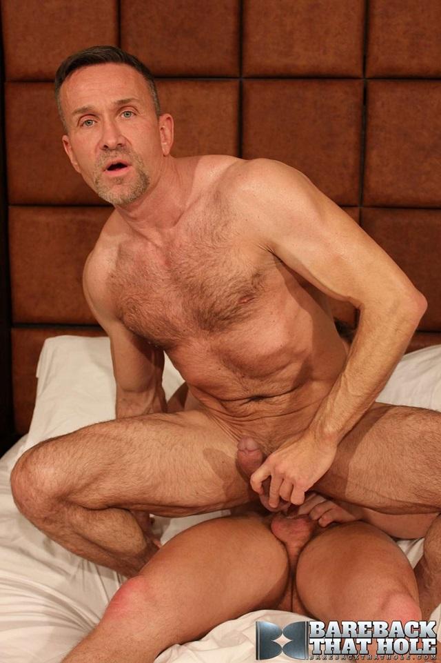 Darius-Soli-and-Matt-Sizemore-Bareback-that-hole-raw-sex-videos-bareback-bears-gay-bare-breeding-raw-sex-movies-012-gallery-photo