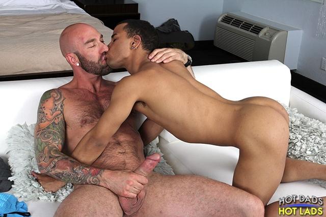Hot-Lads-Hot-Dads-Hung-daddy-Drew-Sebastian-power-bottom-lad-Trelino-kiss-Drew-Sebastian-thick-cum-load-011-male-tube-red-tube-gallery-photo
