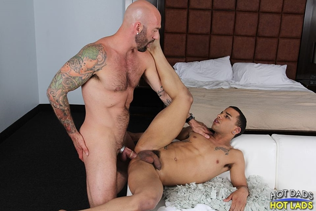 Hot-Lads-Hot-Dads-Hung-daddy-Drew-Sebastian-power-bottom-lad-Trelino-kiss-Drew-Sebastian-thick-cum-load-013-male-tube-red-tube-gallery-photo