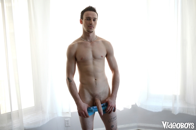Video-Boys-Vic-Palmer-naked-average-soft-dicks-huge-cock-sticking-straight-004-male-tube-red-tube-gallery-photo
