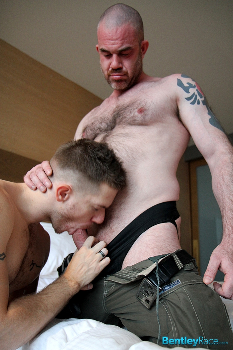 BentleyRace-Aussie-top-fucker-Alex-McEwan-39-year-old-muscle-stud-fucks-top-bottom-boy-Skippy-Baxter-porn-shoot-butt-014-tube-download-torrent-gallery-sexpics-photo