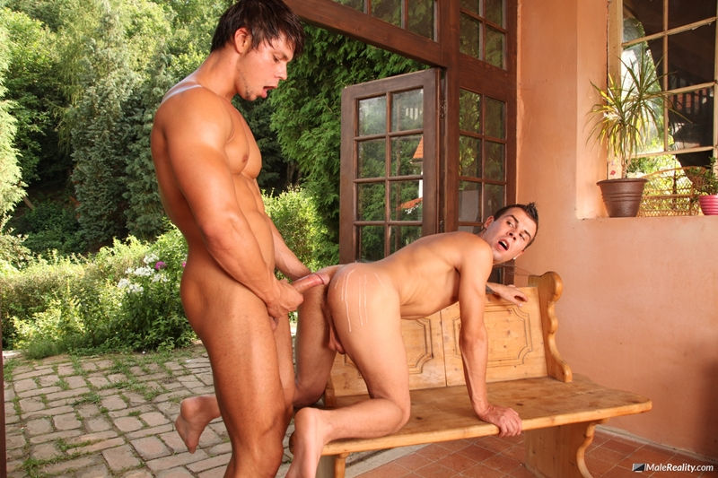 MaleReality-Hard-at-work-in-some-construction,-sexy-guys-Ennio-Guardi-and-Mazus-deserve-a-break-015-tube-download-torrent-gallery-sexpics-photo