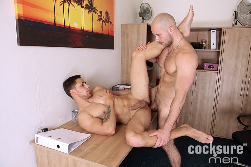 CocksureMen-Alex-Bach-Sean-Robson-young-studs-hairy-chest-muscle-smooth-chest-low-hanging-balls-raw-big-uncut-cock-001-tube-download-torrent-gallery-sexpics-photo