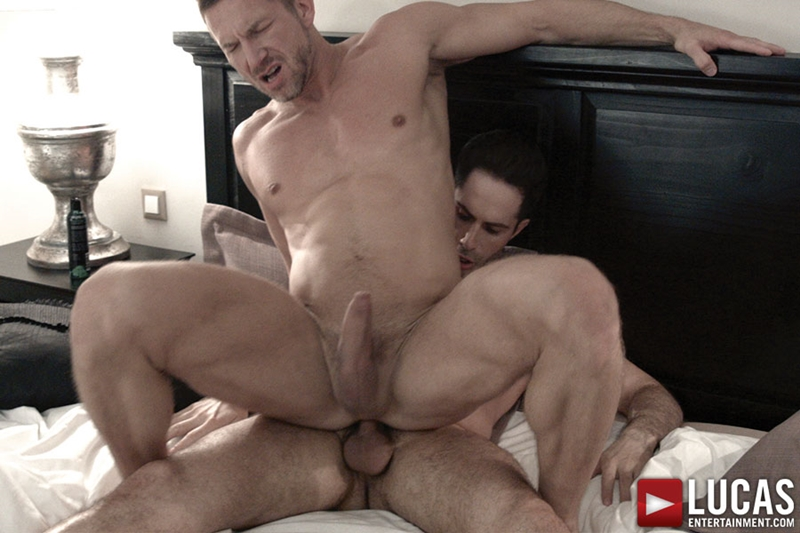 LucasEntertainment-Tomas-Brand-Michael-Lucas-submissive-ass-eaten-sucks-10-inch-cock-raw-butt-fucking-007-tube-download-torrent-gallery-sexpics-photo