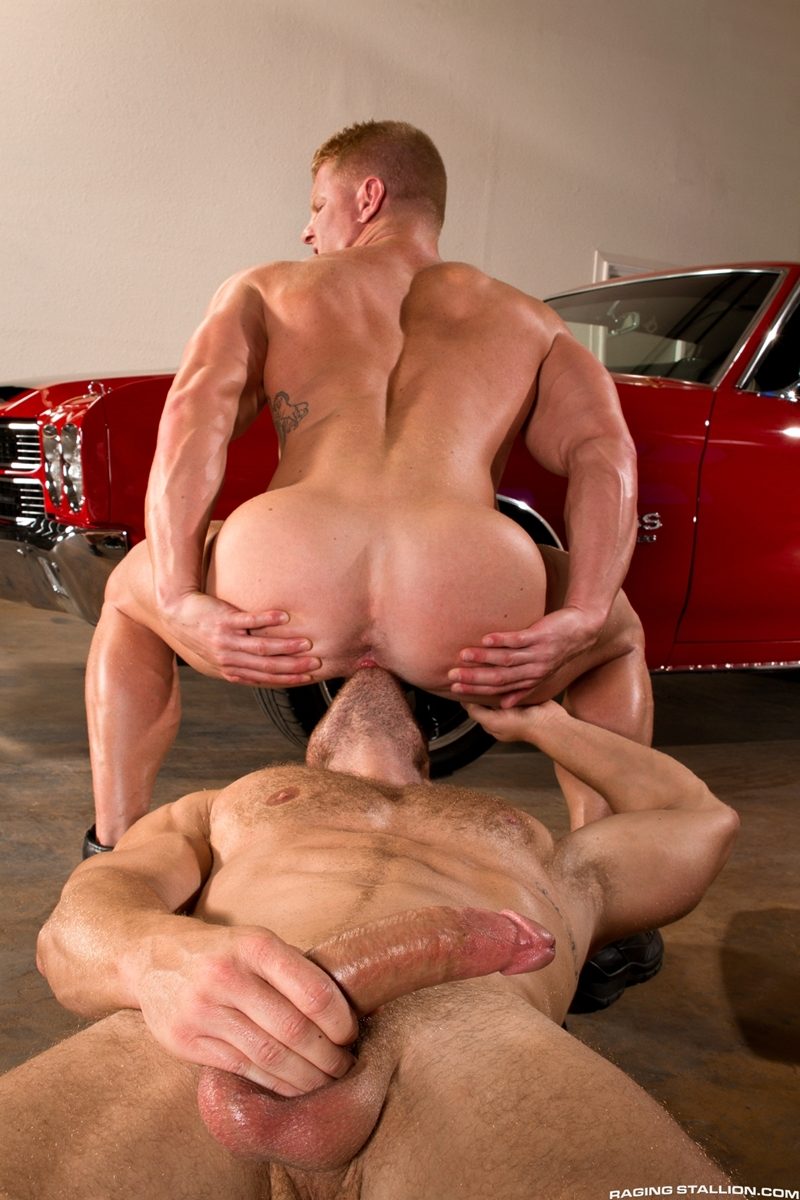 Muscle men fucking having sex each