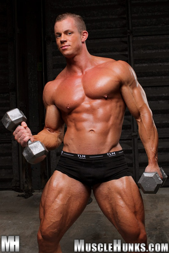 Naked man Otto Mann at Muscle Hunks