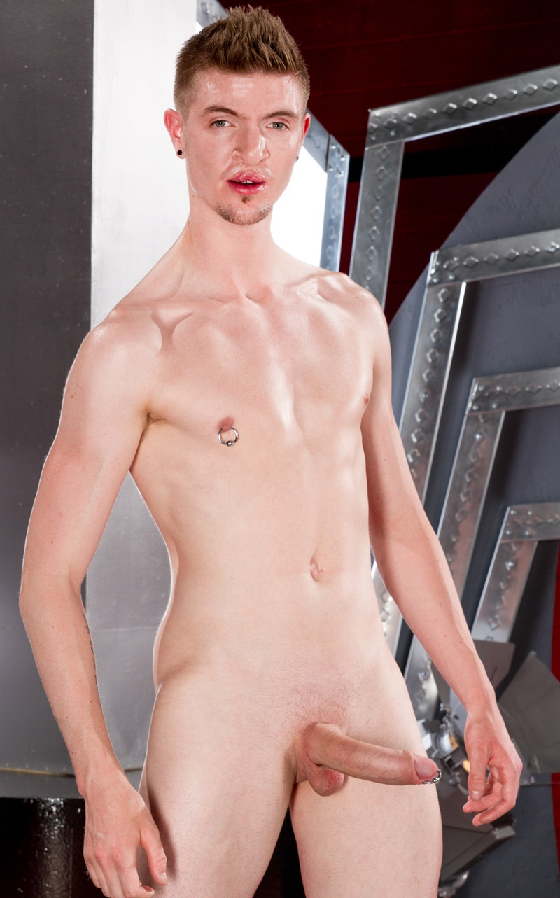 ClubInfernoDungeon-ginger-red-haired-hunk-Seamus-OReilly-fingers-Matt-Wylde-asshole-thick-long-8-inch-cock-buttplug-anal-assplay-rimming-007-gay-porn-sex-gallery-pics-video-photo