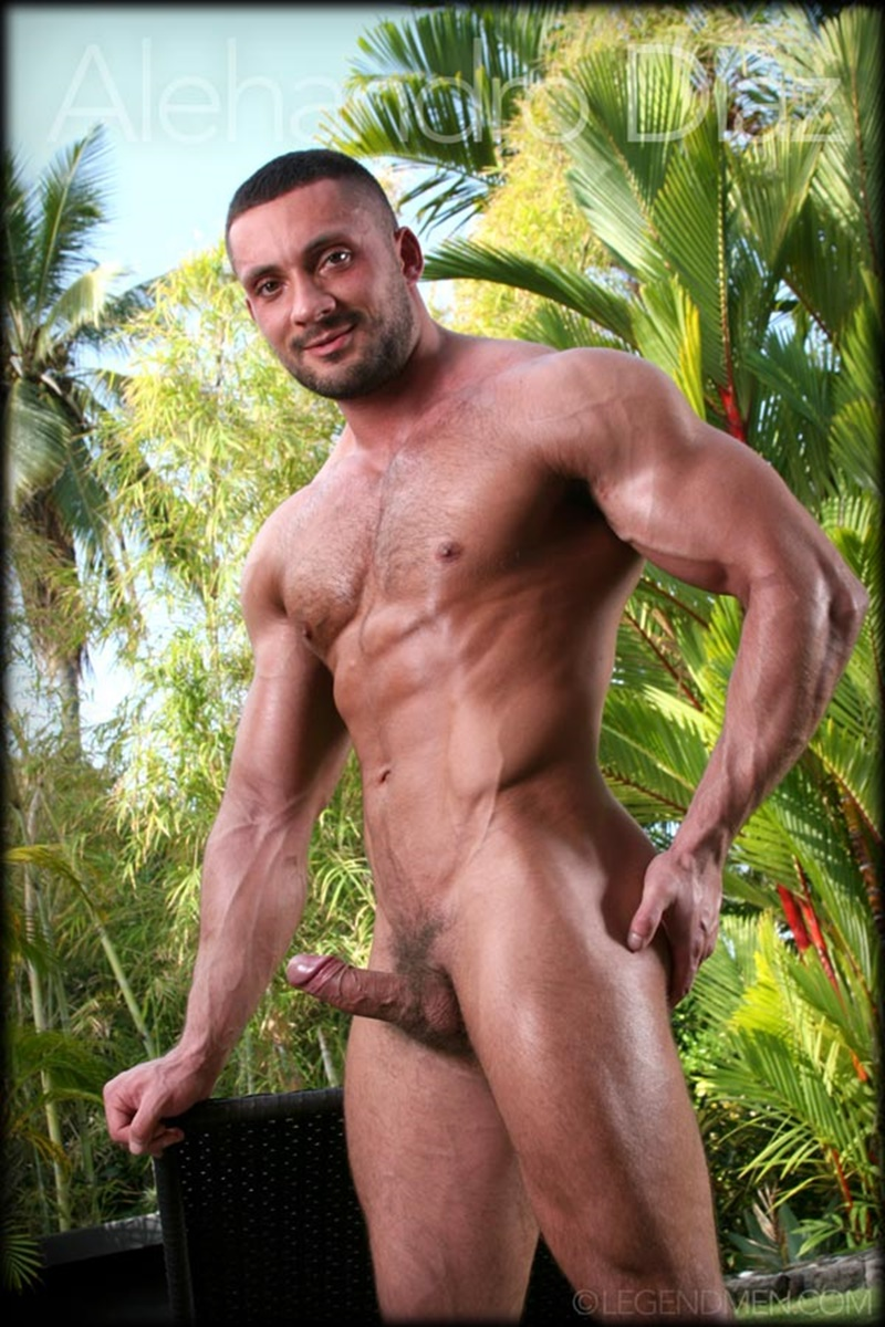 Hot Naked Big Muscle Dude Alehandro Diaz Strips And Shows -7062